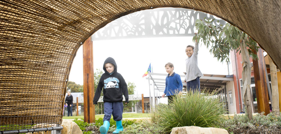 Taikurrendi children family centre outerspace for Outer space landscape architects adelaide