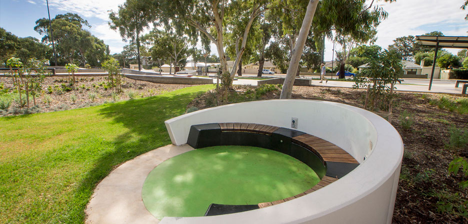 Oaklands Recreation Plaza - Image 2